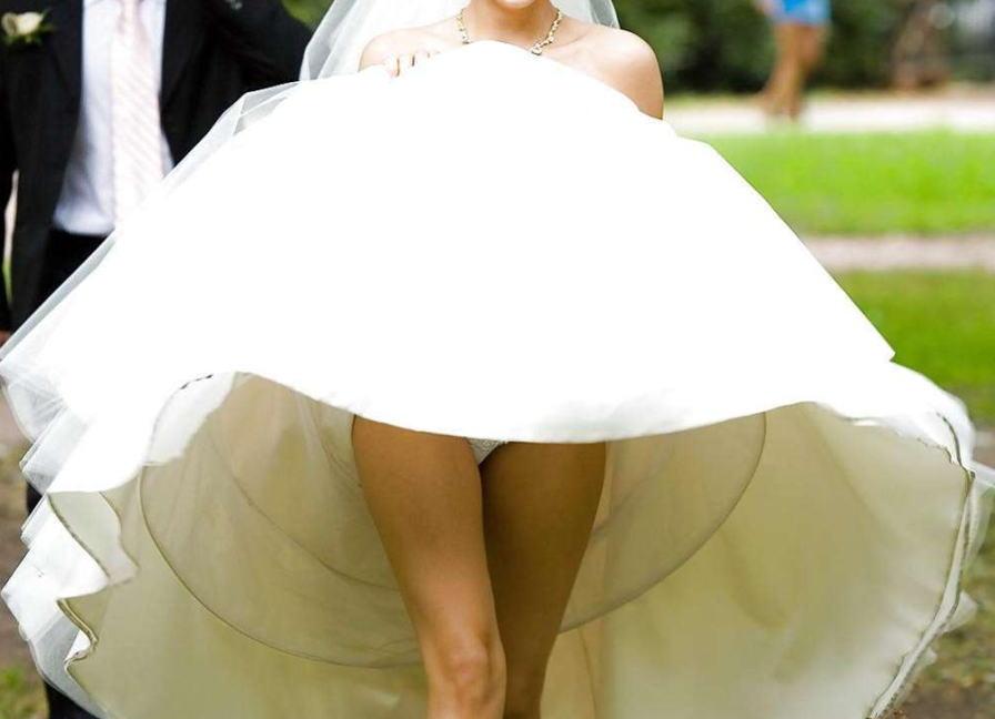 結婚式 パンチラ 外国人 花嫁 エロ画像【24】
