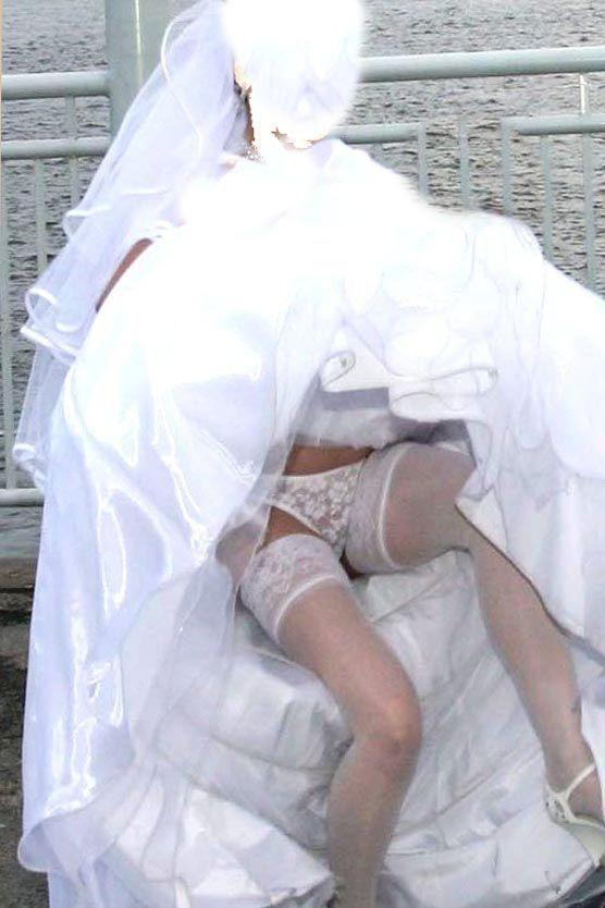 結婚式 パンチラ 外国人 花嫁 エロ画像【27】