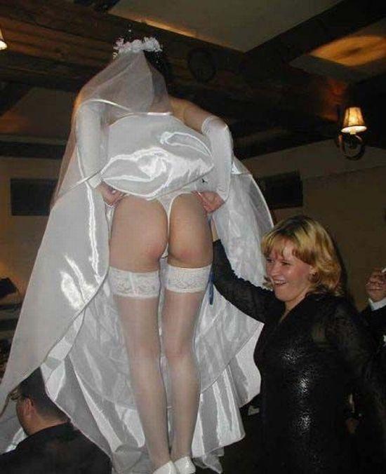 結婚式 パンチラ 外国人 花嫁 エロ画像【28】