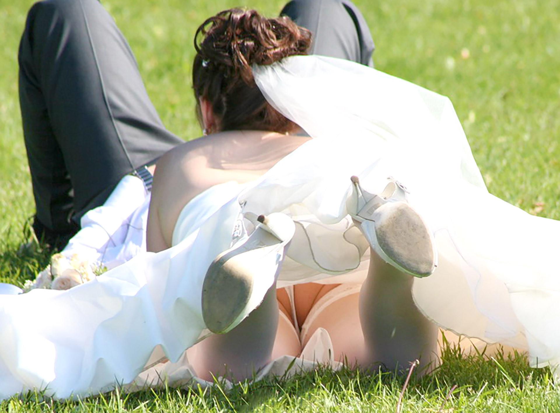 結婚式 パンチラ 外国人 花嫁 エロ画像【32】