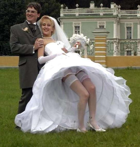 結婚式 パンチラ 外国人 花嫁 エロ画像【37】