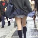 通気口でスカートふわり!マリリン・モンローぽい風パンチラ画像集