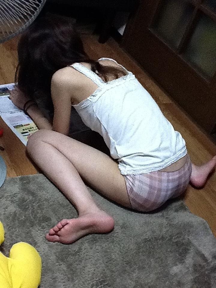 夏 扇風機 生活感 季節感 家庭内 エロ画像【24】