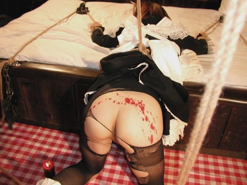 ロウソク責め 女体 蝋 垂らす SMプレイ エロ画像【2】