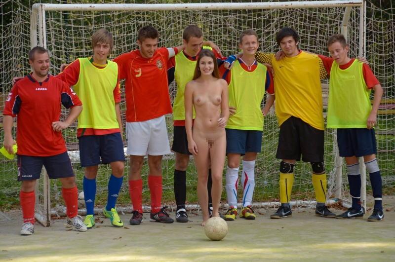サッカー オリンピック競技 全裸 アスリート ヌード スポーツ エロ画像【11】