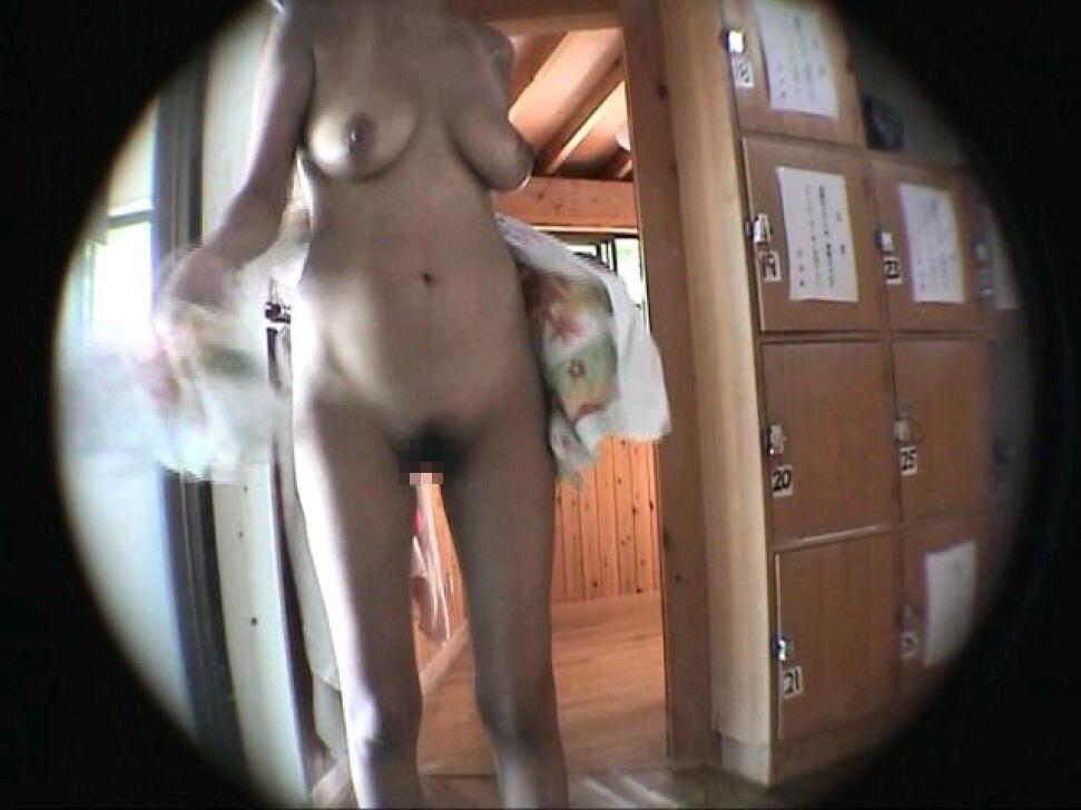 女風呂 脱衣所 エロ画像【23】