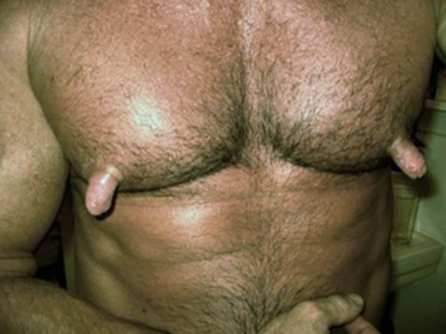 男 勃起乳首 デカ乳首 長乳首 ビンビン メンズ エロ画像【3】