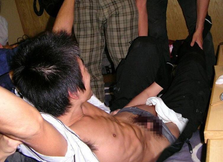 ゲイ レイプ 男 襲う 犯す 強制わいせつ エロ画像【16】