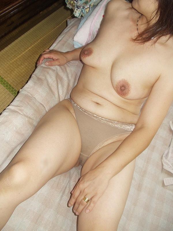 おばさん ベージュ 下着 肌色 熟女 エロ画像【23】