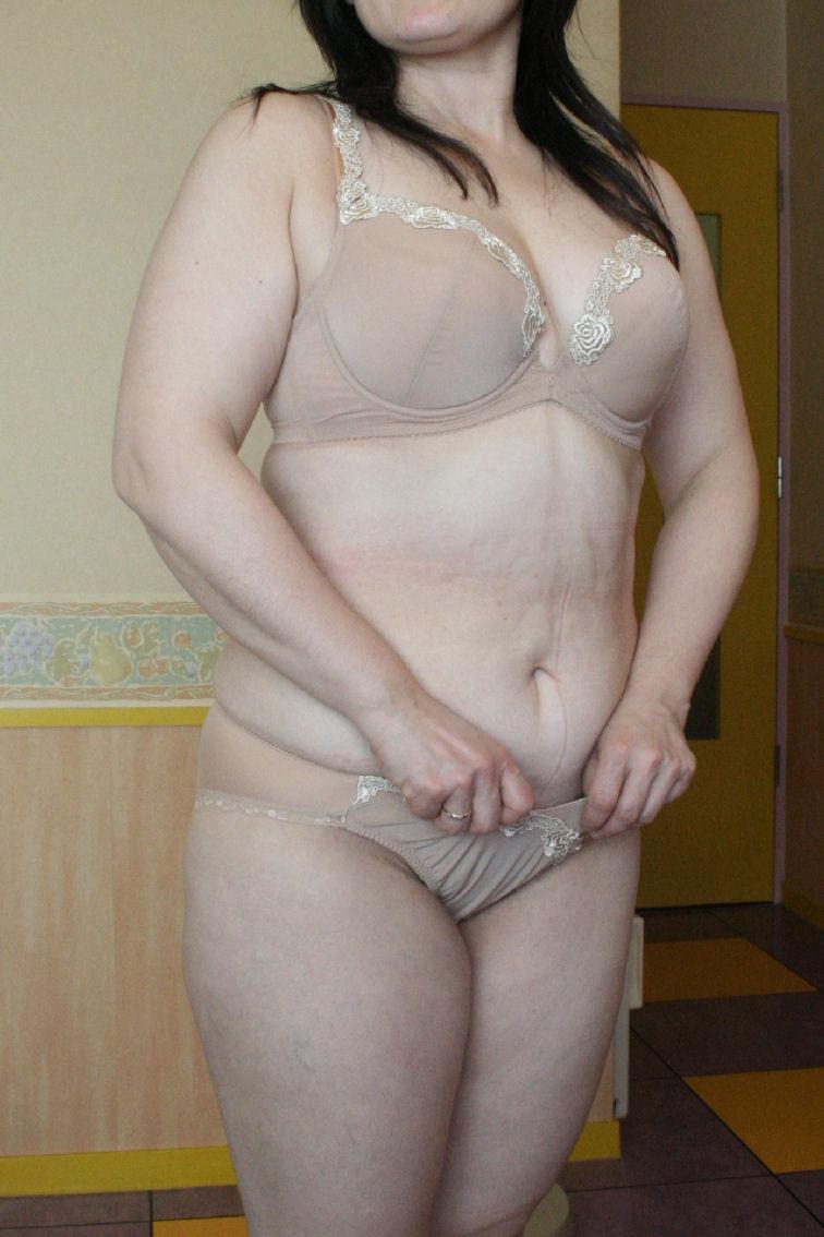 おばさん ベージュ 下着 肌色 熟女 エロ画像【32】