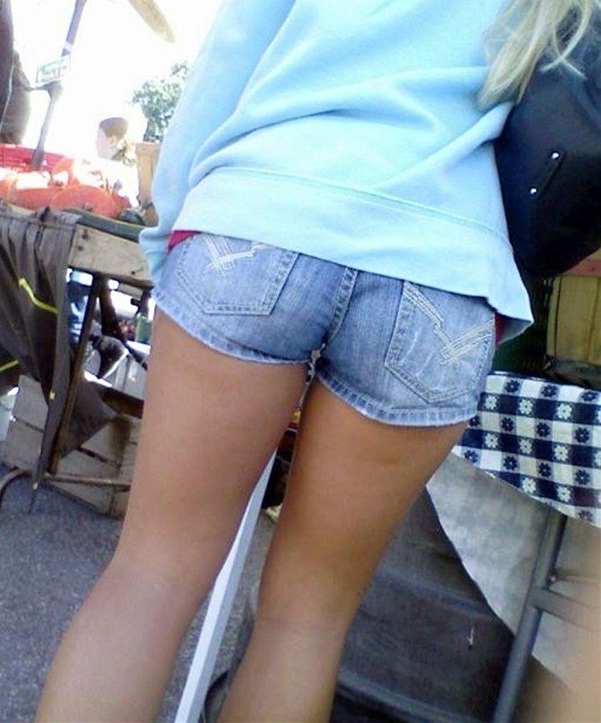過激 食い込む ホットパンツ 太もも 尻 デニム ショートパンツ 街撮り エロ画像【34】