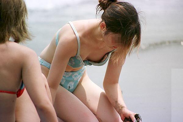 海 プール 水着 ハプニング エロ画像【51】