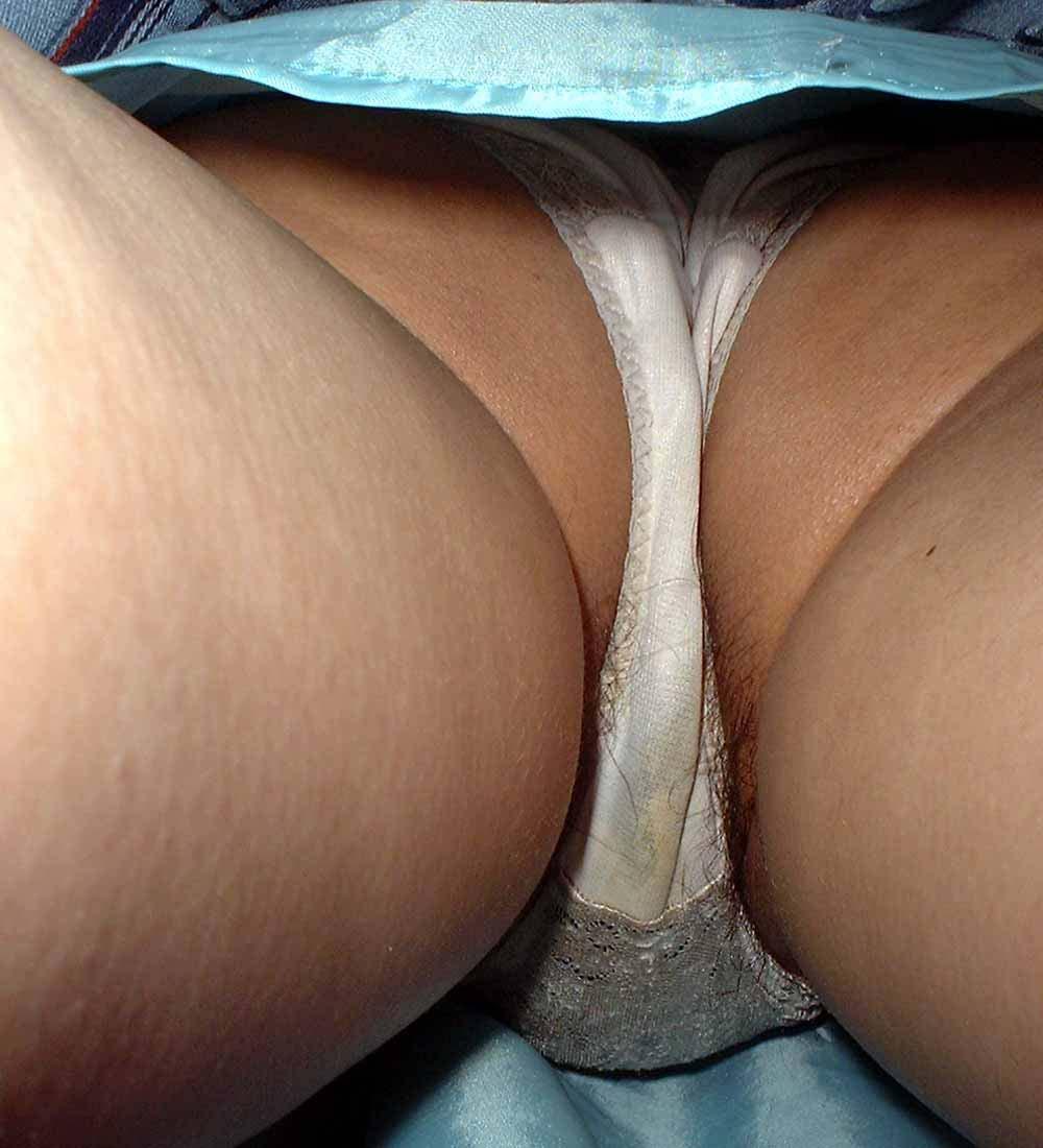 ハミ毛 パンチラ スカートの中 陰毛 はみ出し エロ画像【11】