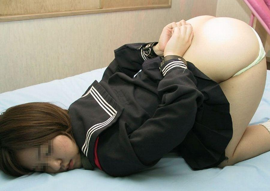 制服 JK 緊縛 拘束 拉致 監禁 エロ画像【14】
