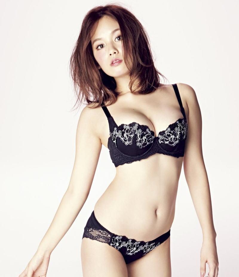 下着 モデル 抜ける ランジェリー カタログ エロ画像【9】