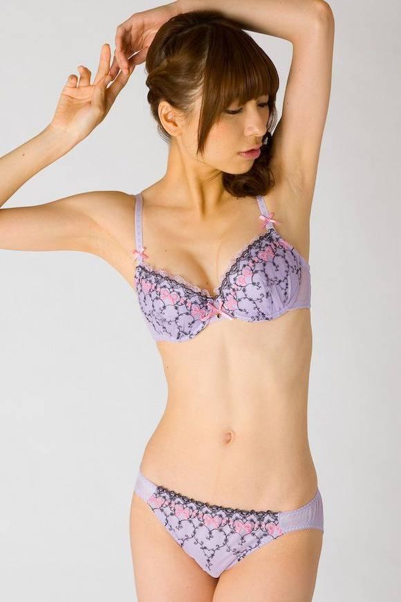 下着 モデル 抜ける ランジェリー カタログ エロ画像【16】