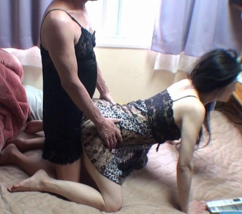 夫婦 ハメ撮り 熟女 自宅 セックス エロ画像【34】