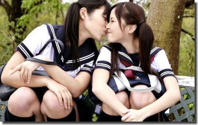女子校に多い制服JKのレズキス画像ください ②