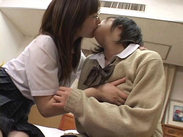 制服 JK レズ キス エロ画像【4】