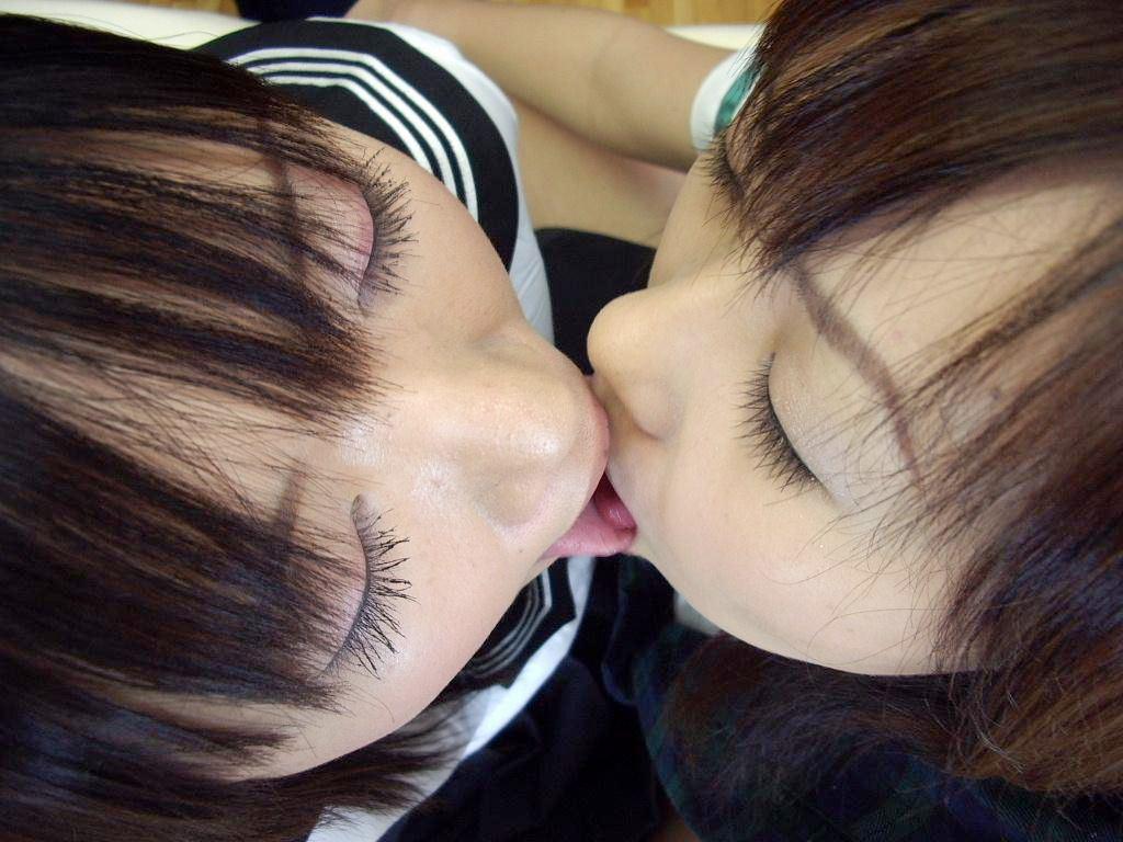 制服 JK レズ キス エロ画像【23】