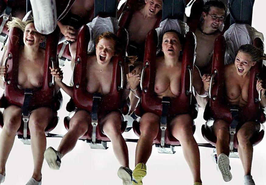 全裸ジェットコースター!遊園地で遊ぶ露出集団のエロ画像