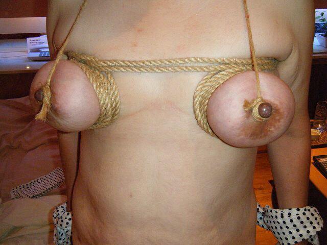 乳首 強制 勃起 乳頭 縛る エロ画像【6】