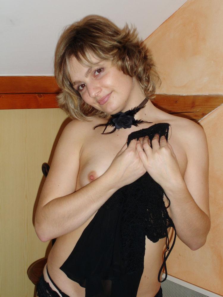 乳首 乳輪 小さい 可愛い 外国人 エロ画像【41】