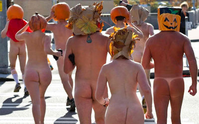 全裸かぼちゃ頭でハロウィンを楽しむパンプキンラン画像集 ①