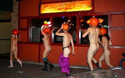 全裸かぼちゃ頭でハロウィンを楽しむパンプキンラン画像集 ②