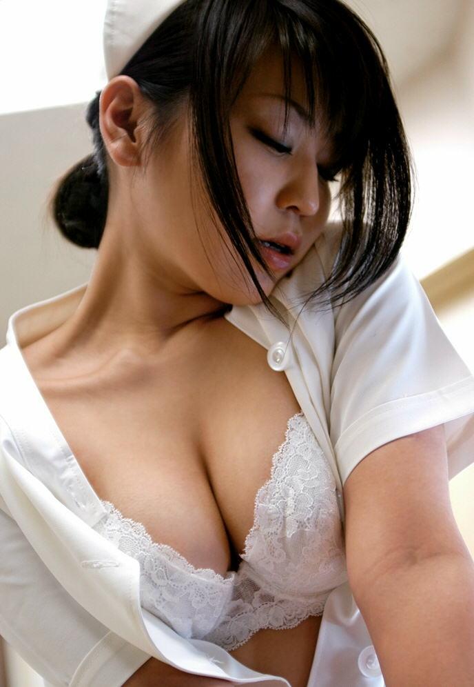 巨乳 ナース おっぱい 大きい 看護師 エロ画像【41】