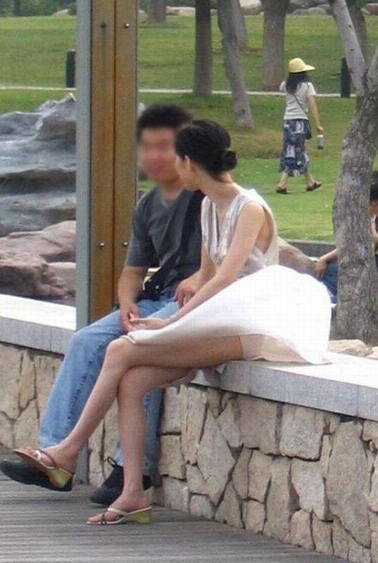 彼女 パンツ 街撮り カップル パンチラ エロ画像【7】