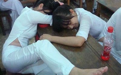民族衣装アオザイでベトナム人の下着透け透けエロ画像 ①