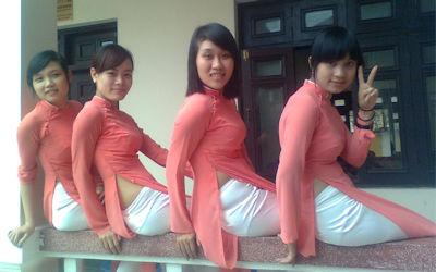民族衣装アオザイでベトナム人の下着透け透けエロ画像 ④