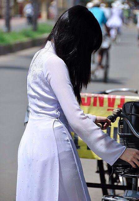 民族衣装 アオザイ ベトナム人 下着 透け エロ画像【8】