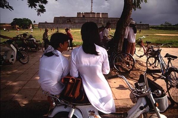 民族衣装 アオザイ ベトナム人 下着 透け エロ画像【10】