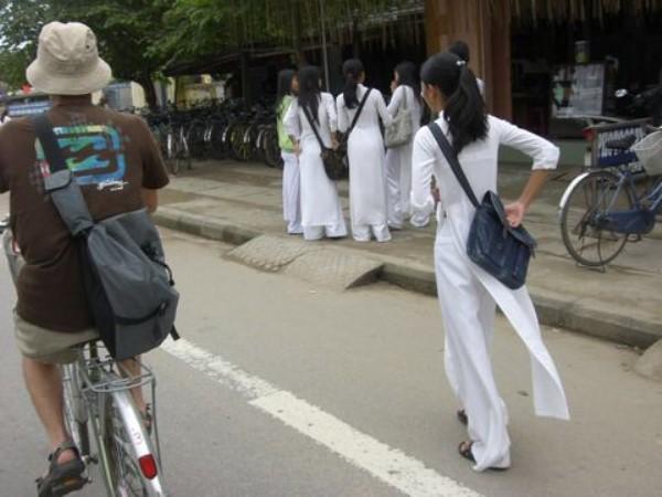 民族衣装 アオザイ ベトナム人 下着 透け エロ画像【16】