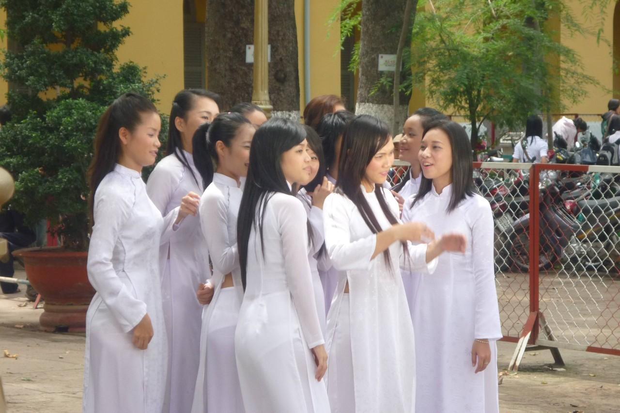民族衣装 アオザイ ベトナム人 下着 透け エロ画像【18】