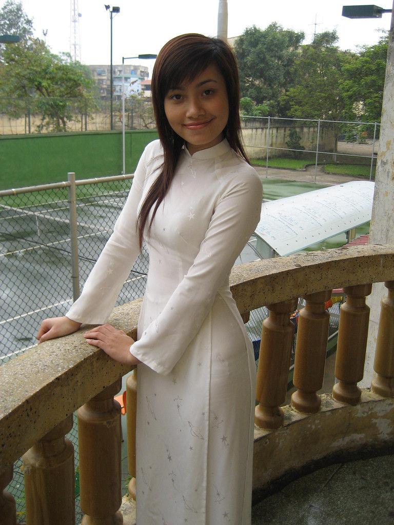 民族衣装 アオザイ ベトナム人 下着 透け エロ画像【36】