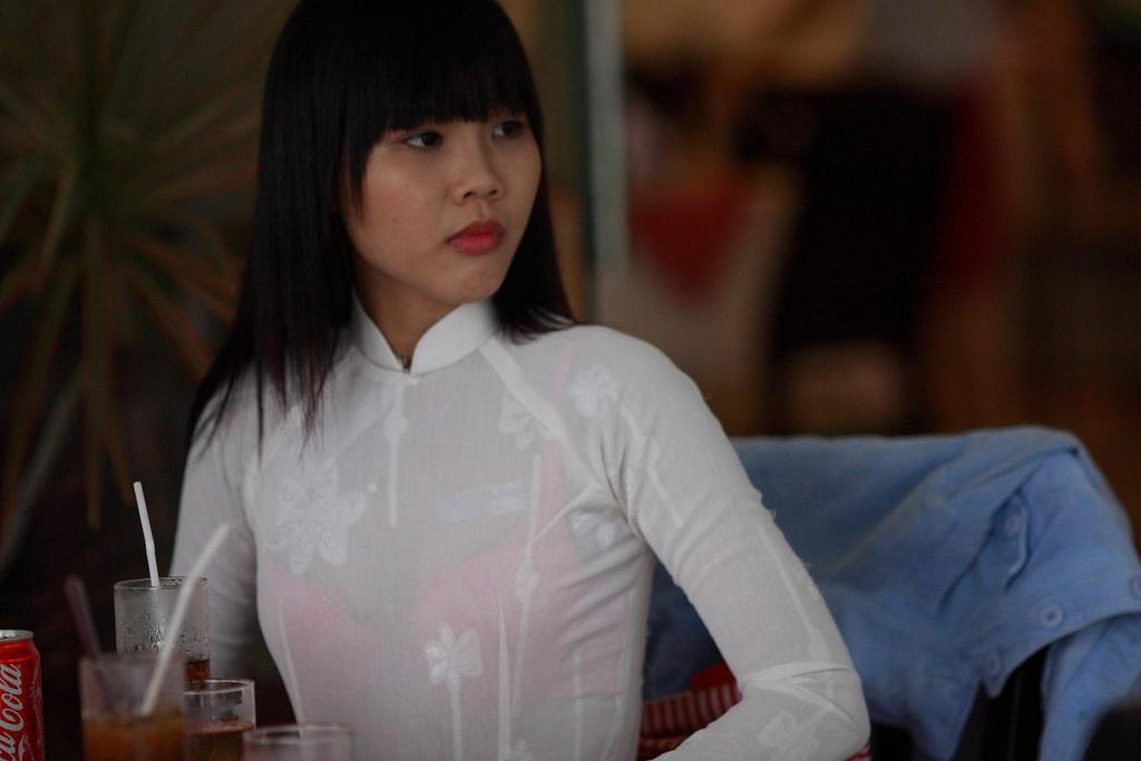 民族衣装 アオザイ ベトナム人 下着 透け エロ画像【39】