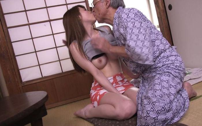 本田岬 禁断介護SEXお姉さんのエロ画像まとめ