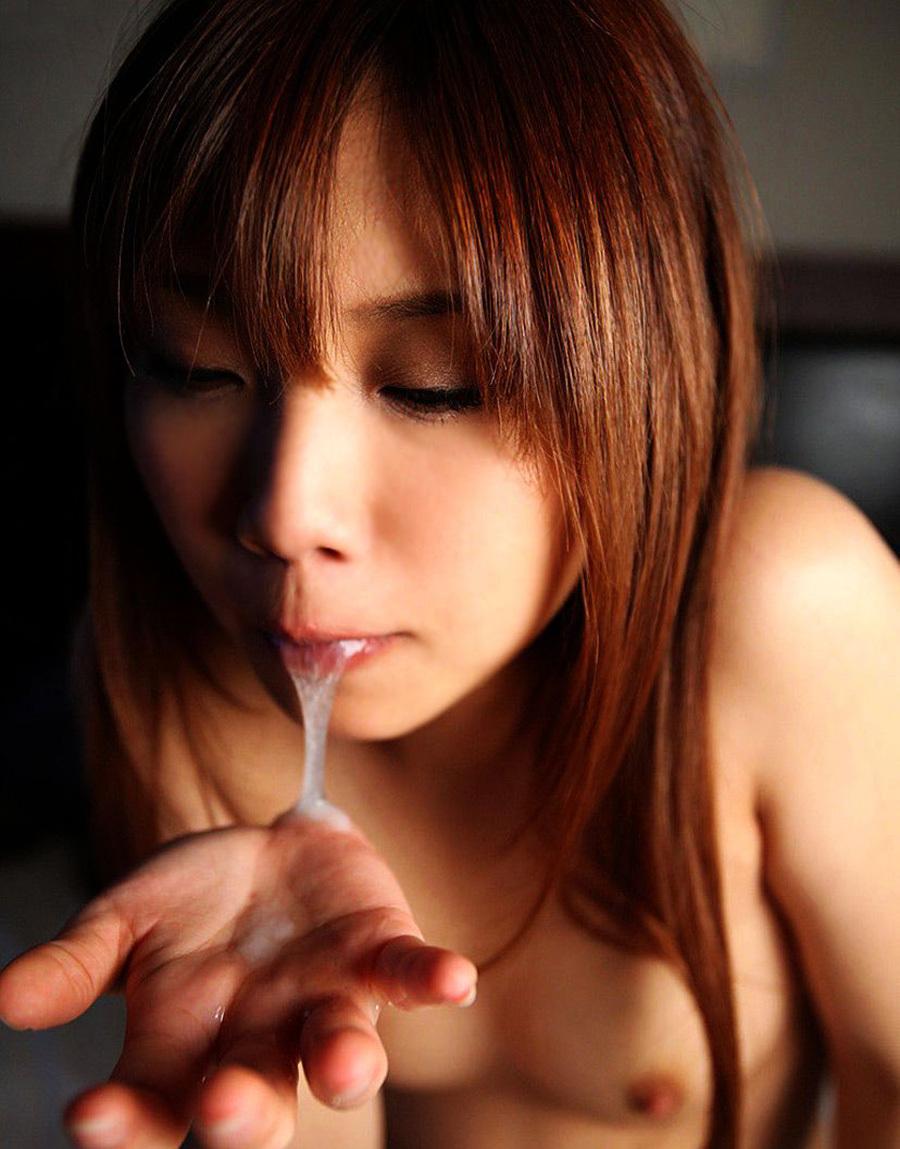 口内射精 精子 口外排出 エロ画像【33】