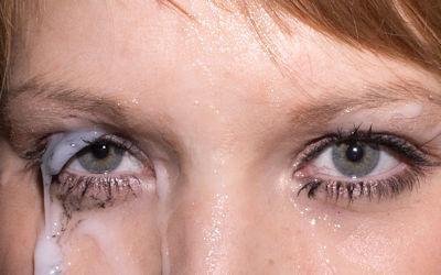 目に精子をぶっかける眼射ザーメンのエロ画像 ④