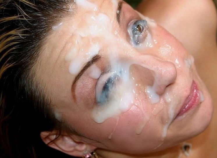 目に精子をぶっかける眼射ザーメンのエロ画像