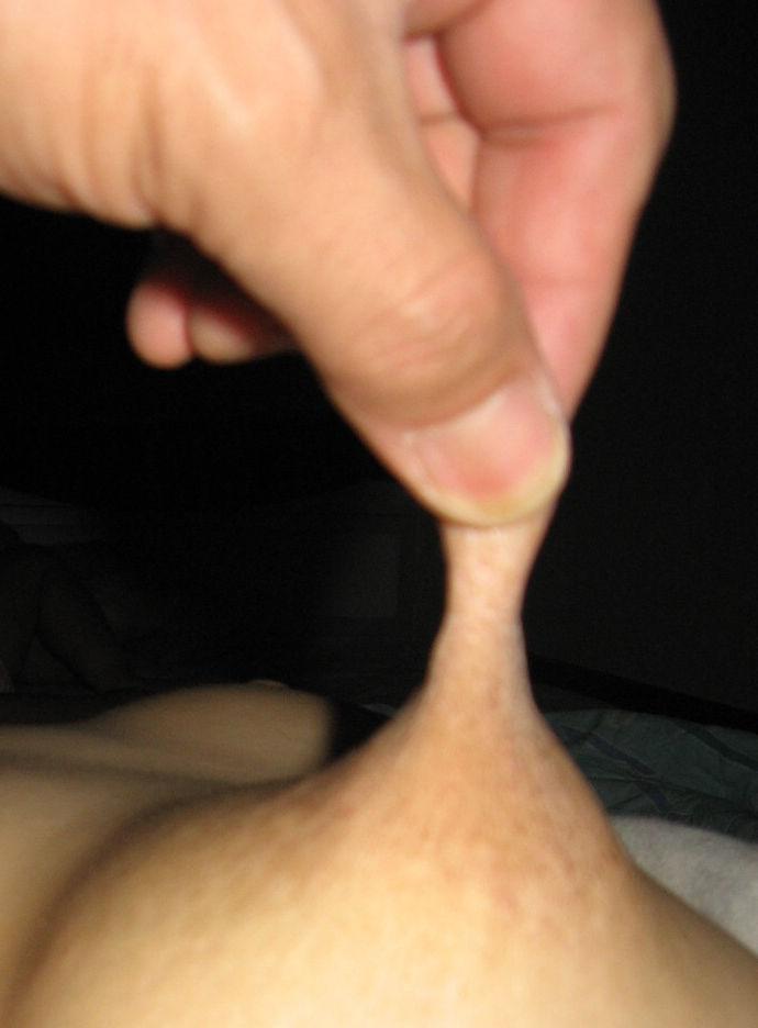 指 摘む 引っ張る 伸ばす 乳首 ビヨーン エロ画像【8】