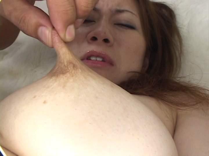 指 摘む 引っ張る 伸ばす 乳首 ビヨーン エロ画像【14】