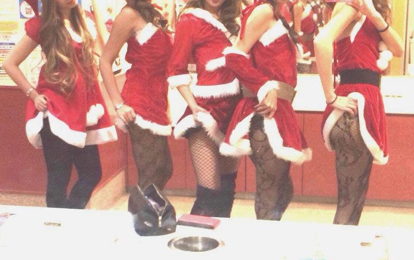 サンタ クリスマス 胸チラ パンチラ エロ画像【15】