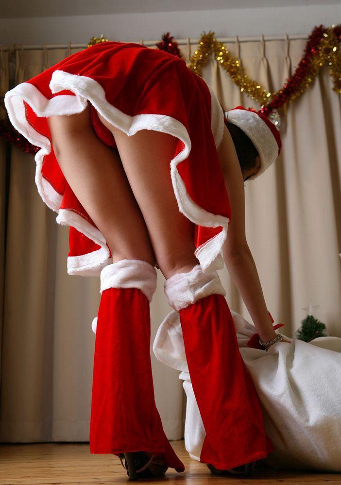 サンタ クリスマス 胸チラ パンチラ エロ画像【18】