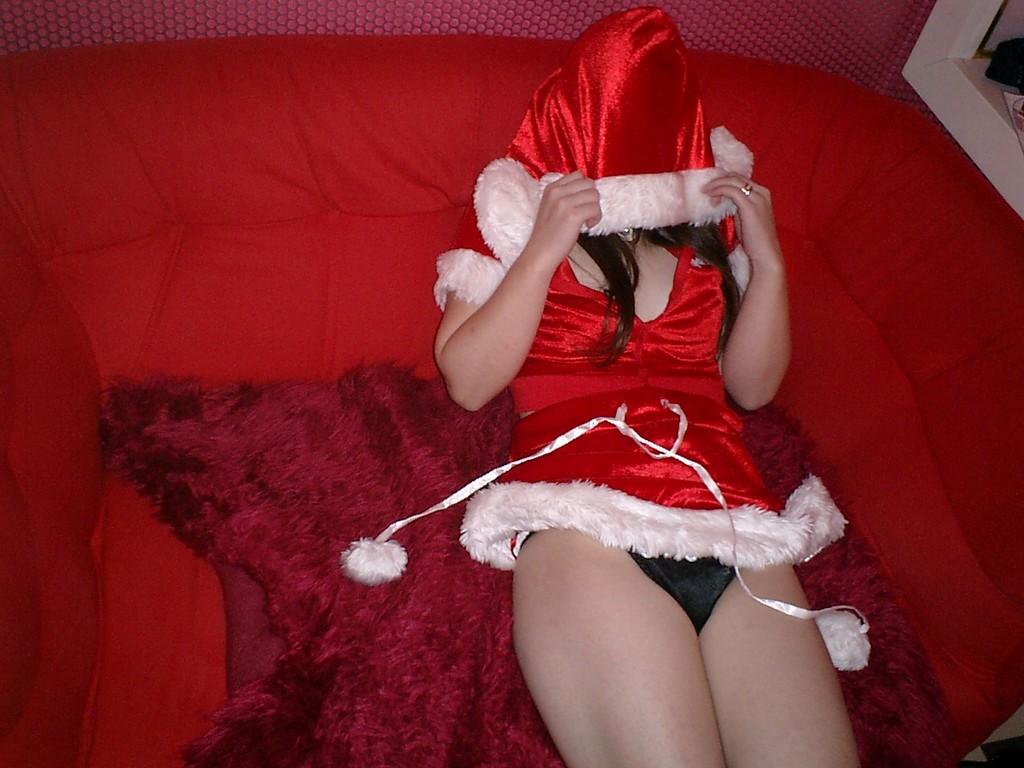 サンタ クリスマス 胸チラ パンチラ エロ画像【37】
