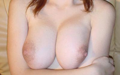 白ギャル巨乳の大きい白乳おっぱい画像 ①