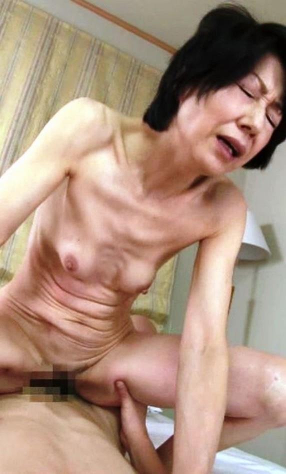 騎乗位 熟女 おばさん ハメ撮り エロ画像【6】